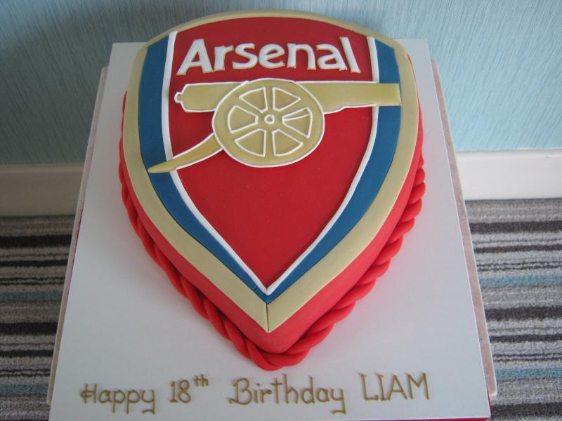 Arsenal Crest i chocolate sponge for Liam's 18th birthday in Blackpool