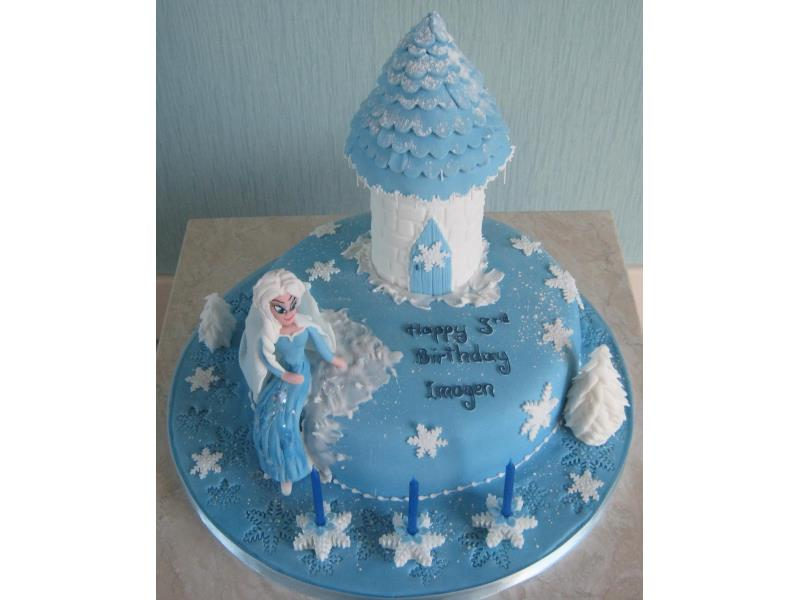 Elsa with Castle for Imogen in #Thornton made from chocolate sponge