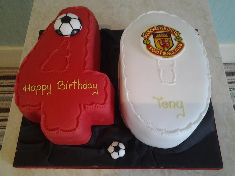 Man Utd 40th birthday cake for Tony in Wesham made from Madeira sponge