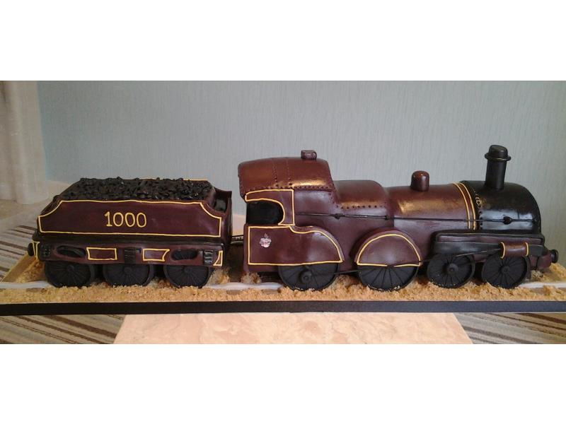 Lorraine - Midlands Railway locomotive and tender all made from fruit cake for that special wedding day cake/gift.