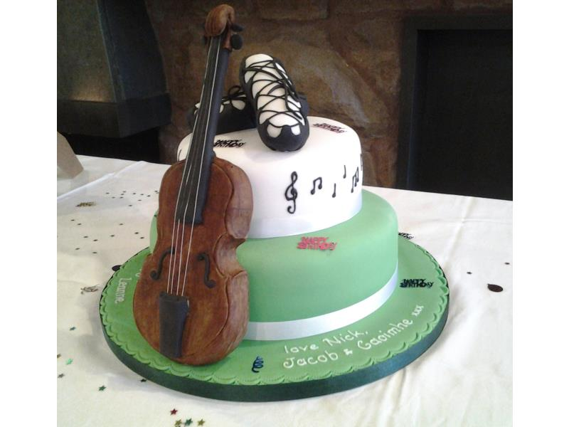 Violin - also Irish dancing pumps on 40th birthday cake for musician Leanne in Lytham.