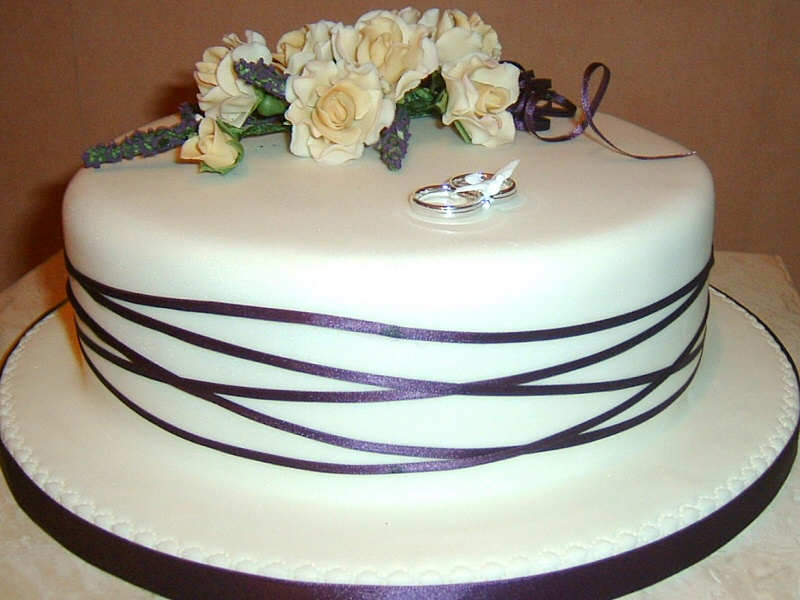 Sue - Single tier banded wedding cake for Sue, Lytham
