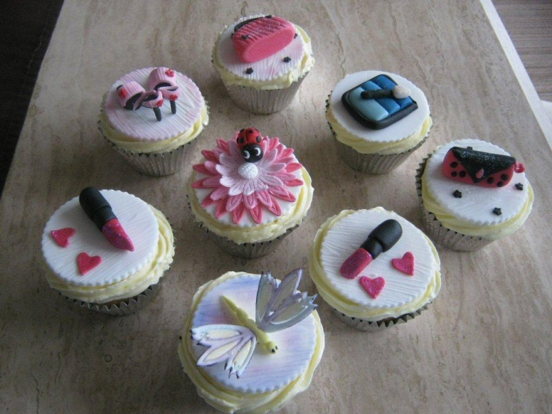 Girly Cupcakes - Girly themed 3D cupcakes for Sue of Preston.